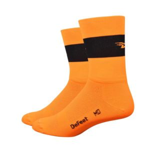 Defeet Aireator Hi Top 5 Inch Team : Hi-Vis Orange with Black Stripe