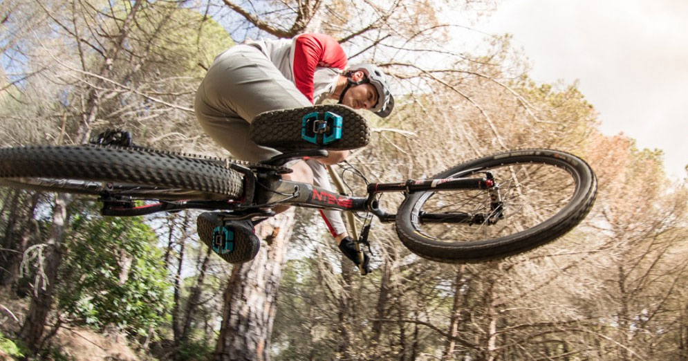 Intense have been at the forefront of mountain bike design and downhill  racing since the early 90 s. A smaller brand 53cca05a1